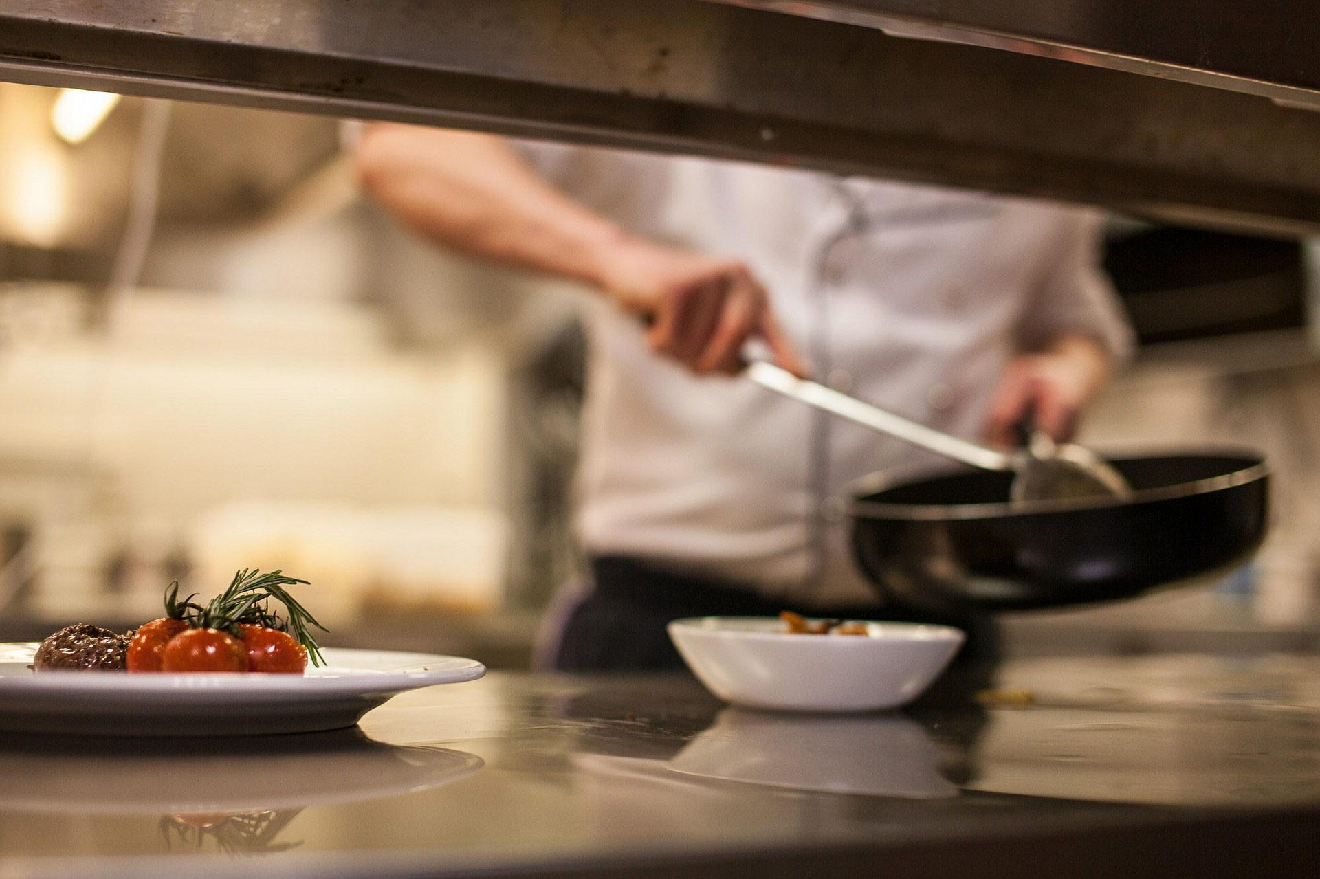Matériel et ustensiles de cuisine pour professionnels